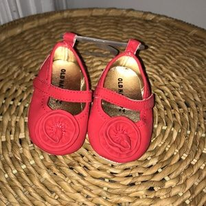 Old Navy Infant shoes 0-3 months